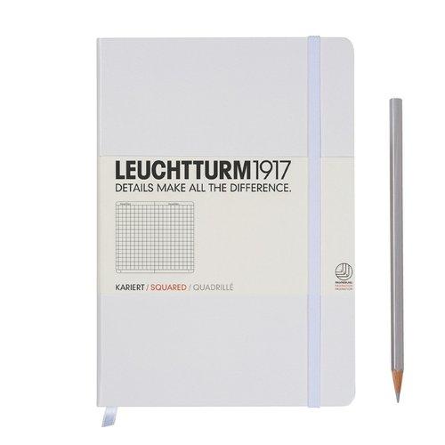 Записная книжка Medium, 249 стр., в клетку, белая