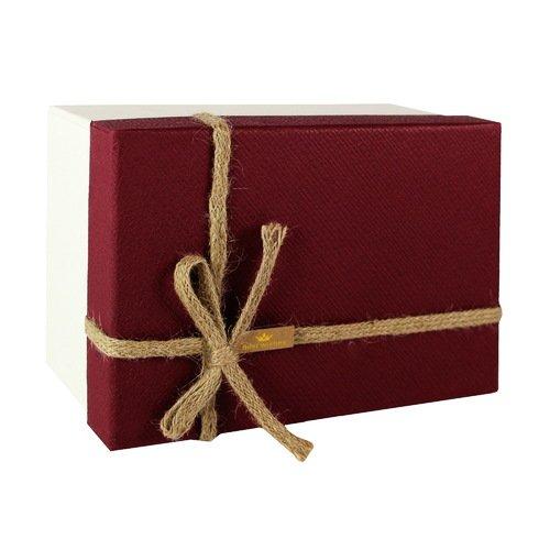 купить Коробка с бантиком, маленькая, бордово-бежевая, 16 х 16 х 7 см по цене 490 рублей